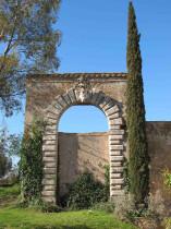Portale del Fontana con lo stemma Borghese di Paolo V